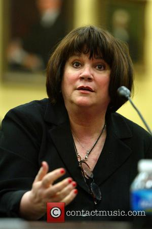 Linda Ronstadt Reveals That Ongoing  Parkinson's Battle Has Ended Her Singing Career