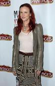 Juliette Lewis Leads Star Support For Cancer-stricken Karen Black