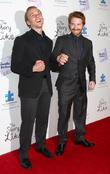 Lou Taylor Pucci and Seth Green
