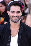 Step Aside Ryan Gosling! Tyler Hoechlin Could Be In Line For Batman Role