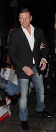 Sean Bean Triumphs at International Emmys For Transvestite Teacher in 'Accused'