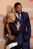 Kelly Ripa And Michael Strahan Accused Of 'Faking' On Air Chemistry