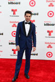 Juanes Pays Tribute To Mexican Actor Renato Lopez