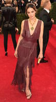 Food Poisoning Bout Made Michelle Monaghan Rethink Home Birth Plans