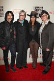 Linda Perry & Sara Gilbert Go Public With Romance