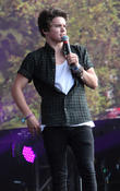 Bradley Simpson Left With Bloody Lip At London Gig