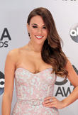 Jana Kramer And New Husband To Become First-time Parents