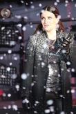 Idina Menzel Gets Revenge On John Travolta For Last Year's Oscars Gaffe