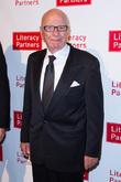 Jerry Hall Dating Rupert Murdoch - Report