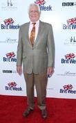 George Lazenby Backs Idris Elba For Bond