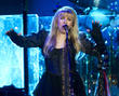 Stevie Nicks Battling Injury On Tour