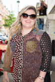 Kelly Clarkson Announces She's Having A Baby Boy