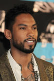 Miguel Makes Surprise Performance At Former Middle School
