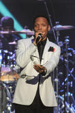 New Edition's Ronnie Devoe To Be A Dad At 49