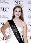 Olivia Newton John, Katherine Kelley and 2015 Miss Nevada