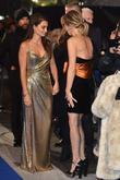 Penelope Cruz and Kristen Wiig