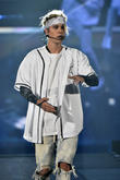 Justin Bieber Fans March In Argentina To Protest Country's Ban On Singer
