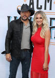 Jason Aldean Stunned By Wife's Fish Tank Gift