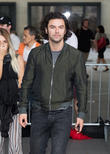 'Poldark's Aidan Turner Splits From Girlfriend