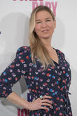 Renee Zellweger: 'I'm An Airport Starbucks Expert'