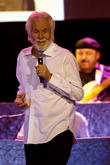Kenny Rogers Postpones Knoxville Concert After Falling Ill