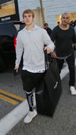 Justin Bieber Laughs Off 'Pee Stain' Pictures